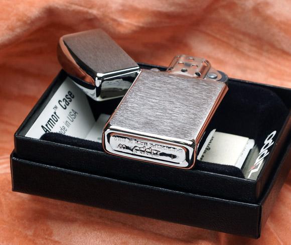 Zippo 1600 – Zippo Slim Brushed Chrome