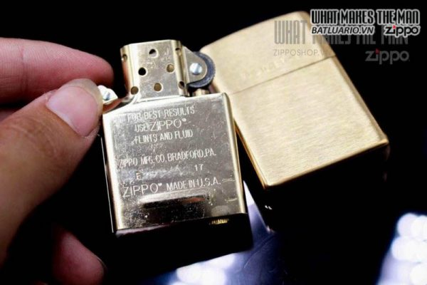 ZIPPO 204 – ZIPPO BRUSHED BRASS ENGRAVED