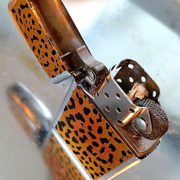 Zippo 1663 - Zippo Panther Fur Leopard pattern 2