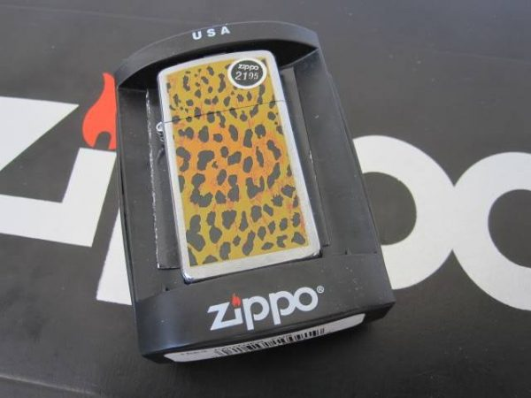 Zippo 1663 - Zippo Panther Fur Leopard pattern 3