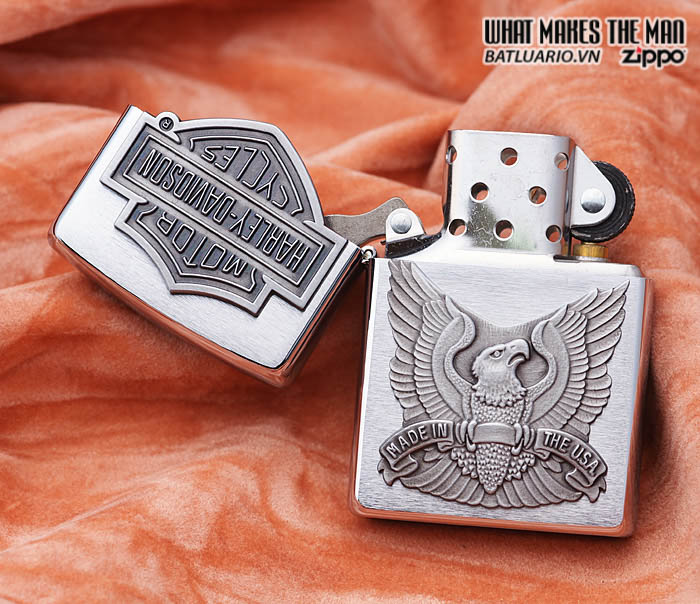 Zippo 200HD.H284 – Zippo Made in the USA Emblem Brushed Chrome