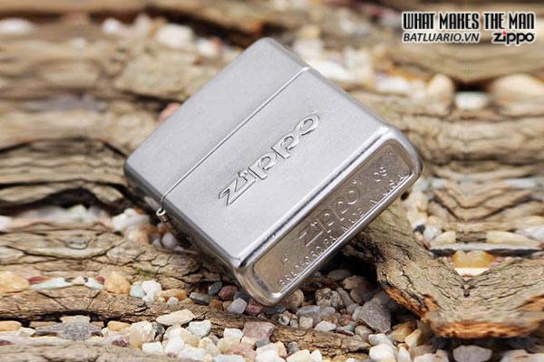 Zippo 21193 – Zippo Stamped Street Chrome 2