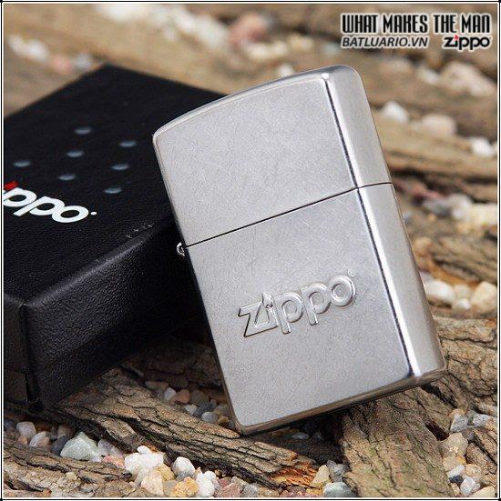 Zippo 21193 – Zippo Stamped Street Chrome