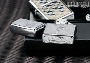 ZIppo 24904 – Zippo V-Scroll Herringbone Sweep