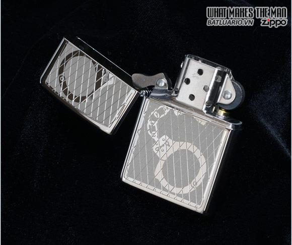 Zippo 28287 – Zippo Lighter Handcuffs Bling High Polished Chrome 2