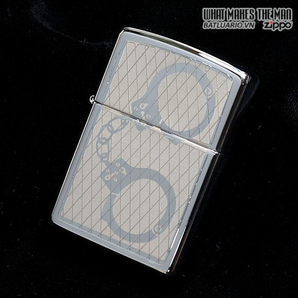 Zippo 28287 – Zippo Lighter Handcuffs Bling High Polished Chrome 1