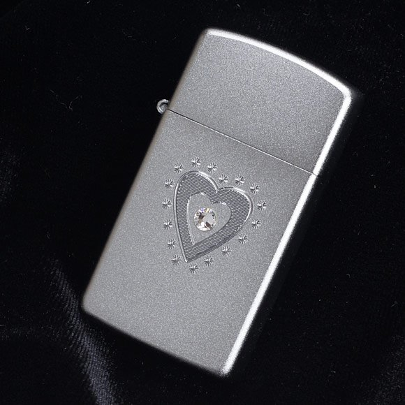 Zippo 28328 - Zippo Slim TR Heart Bling Swarovski Satin Chrome 2
