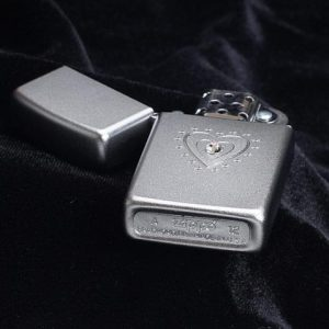 Zippo 28328 - Zippo Slim TR Heart Bling Swarovski Satin Chrome 3