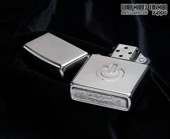 Zippo 28329 – Zippo Power Button Street Chrome 1