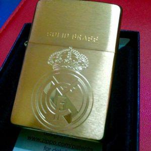 Zippo Khắc Logo Real Madrid – 204.RMA