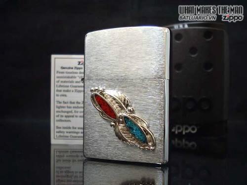 Zippo 20606 – Zippo Feather Stone Emblem Brushed Chrome