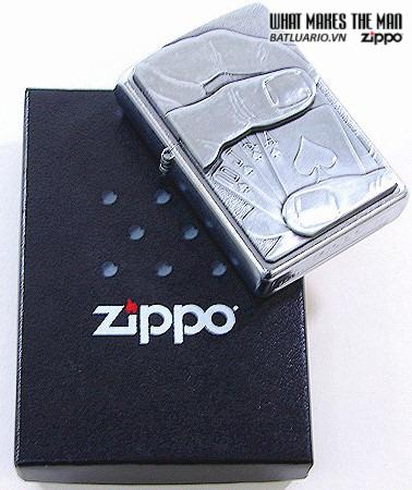 Zippo 20827 – Zippo Royal Flush Emblem Street Chrome