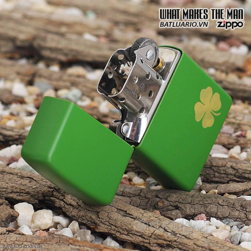 Zippo 21032 – Zippo Lucky Clover – Shamrock Green Matte 1