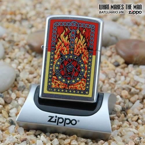 Zippo 24265 – Zippo Burning Chains Street Chrome 1