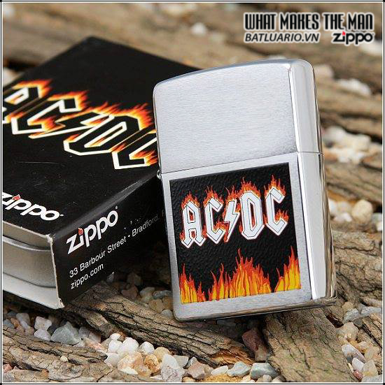 Zippo 24277 – Zippo AC/DC Flames Brushed Chrome 1