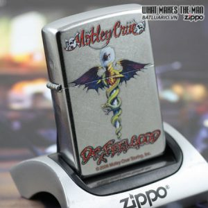 Zippo 24562 – Zippo Motley Crue Street Chrome