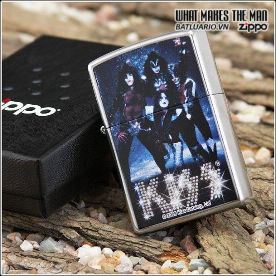 Zippo 24564 – Zippo Lighter Kiss Band Street Chrome 1