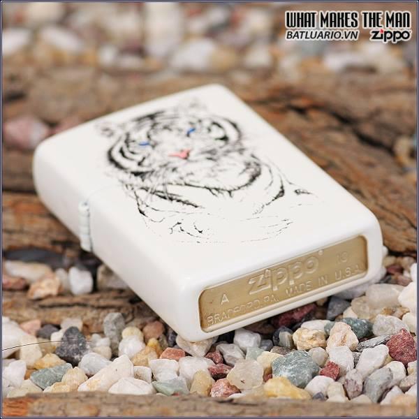 Zippo 24810 – Zippo White Tiger Matte 1