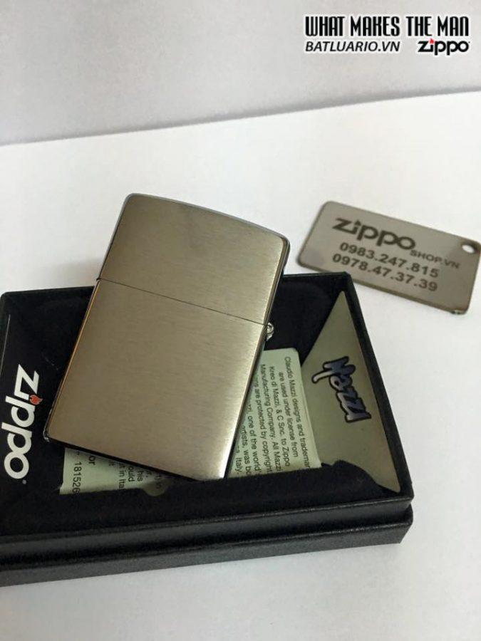 Zippo 28002 – Zippo Mazzi Howling Wolves Brushed Chrome 3