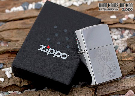 Zippo 28050 – Zippo Mirrored Hearts High Polish Chrome 1