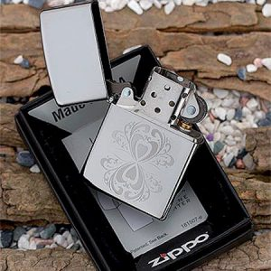 Zippo 28050 – Zippo Mirrored Hearts High Polish Chrome
