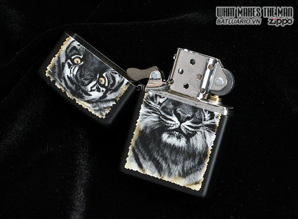 Zippo 28314 – Zippo Lighter Tiger Black Matte 1