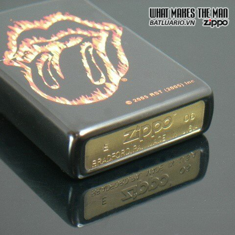 Zippo 21129 – Zippo Rolling Stones Flaming Tongue Black Matte 2