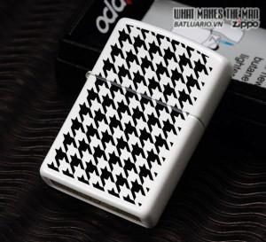 Zippo 24888 – Zippo Houndstooth White Matte 1