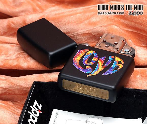 Zippo 28045 – Zippo Colourful Love Black Matte 1