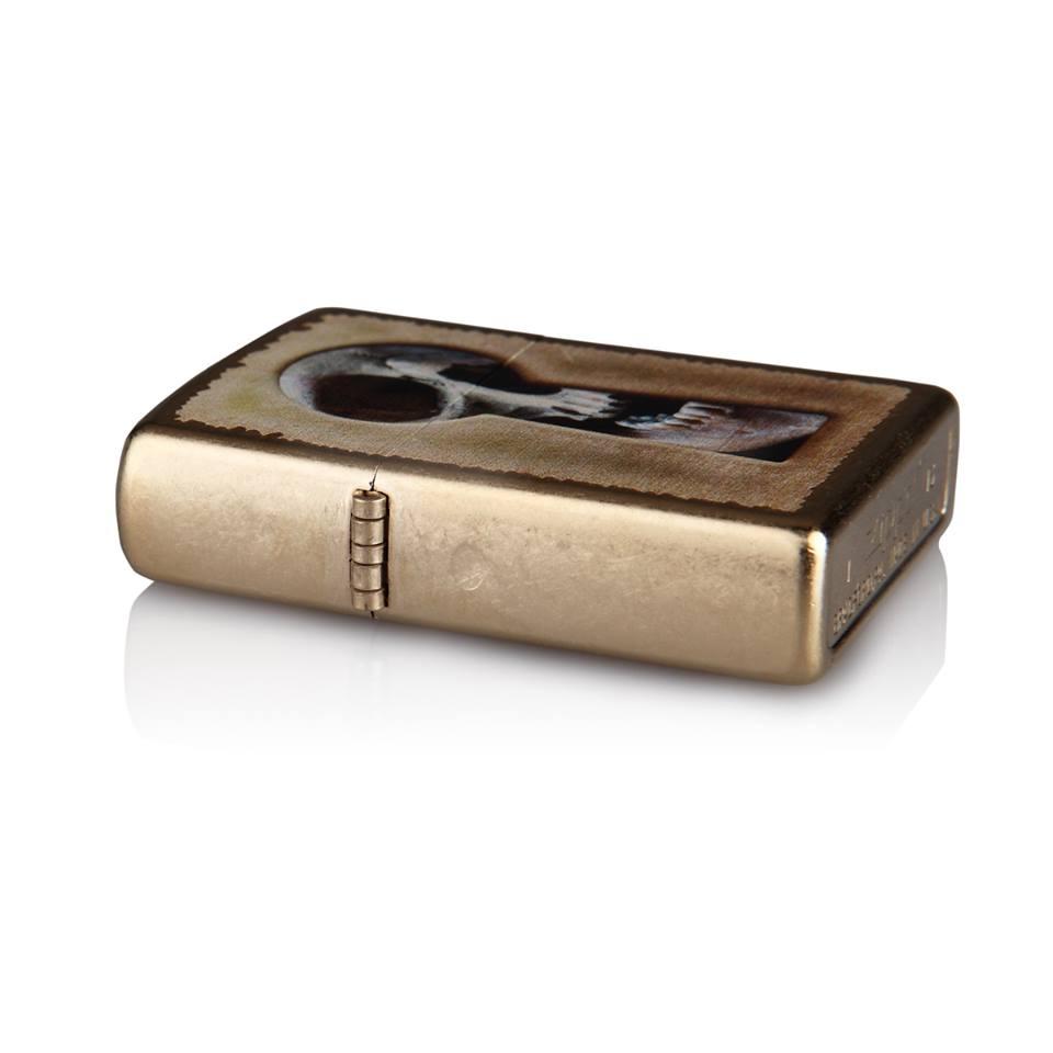 Zippo 28540 – Zippo Keyhole Skull Gold Dust 4