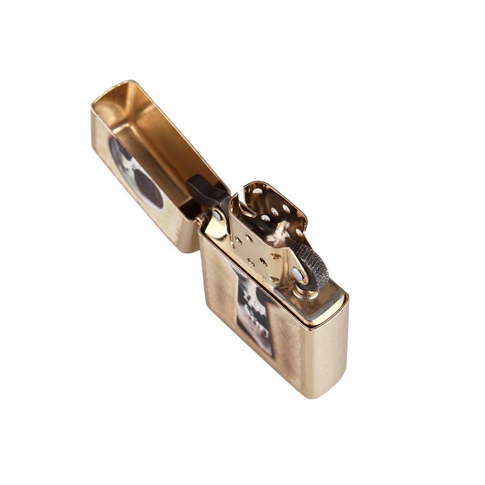 Zippo 28540 – Zippo Keyhole Skull Gold Dust 5