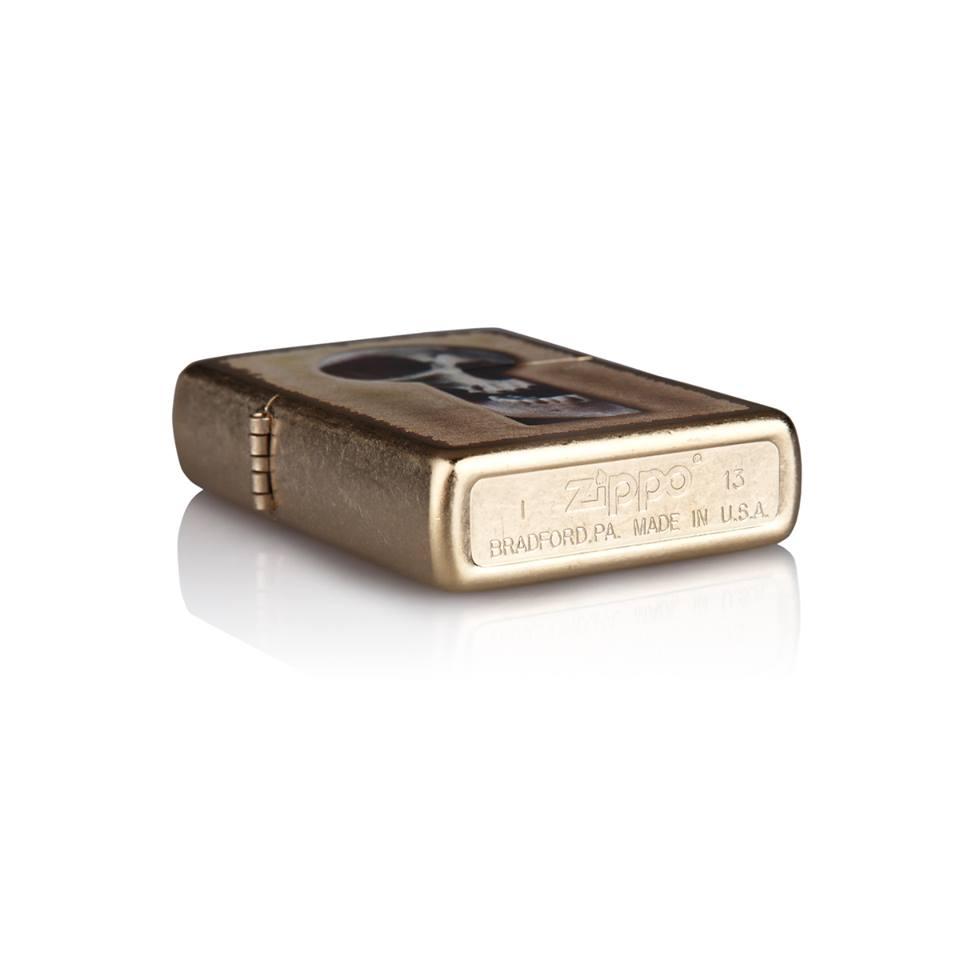 Zippo 28540 – Zippo Keyhole Skull Gold Dust 3