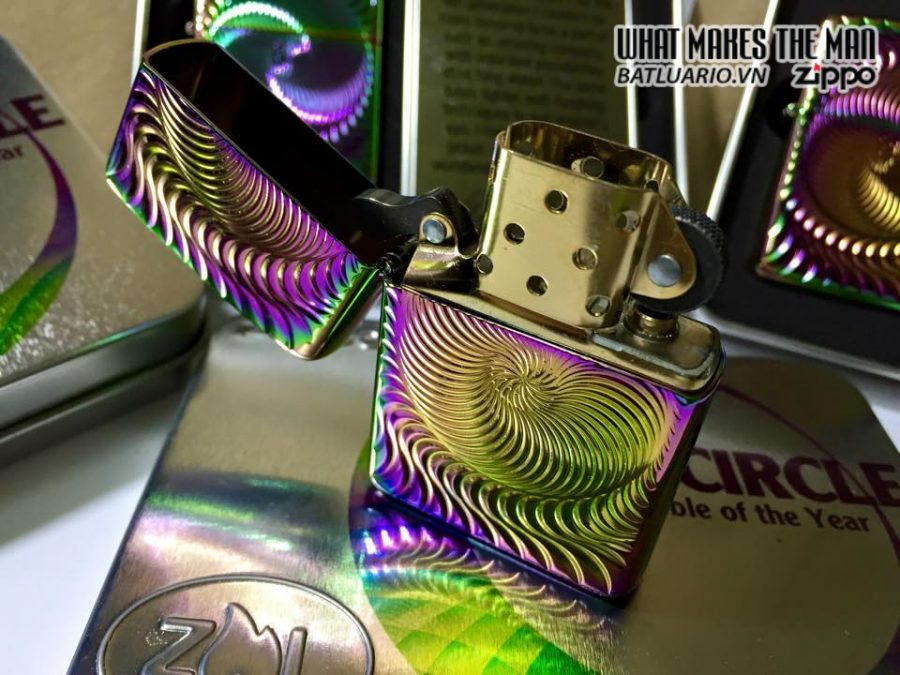 Zippo 28883 – Zippo 2015 Collectible of the year – full circle 10