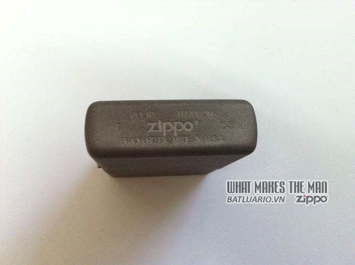 Zippo solid Titanium - Zippo Titan 4