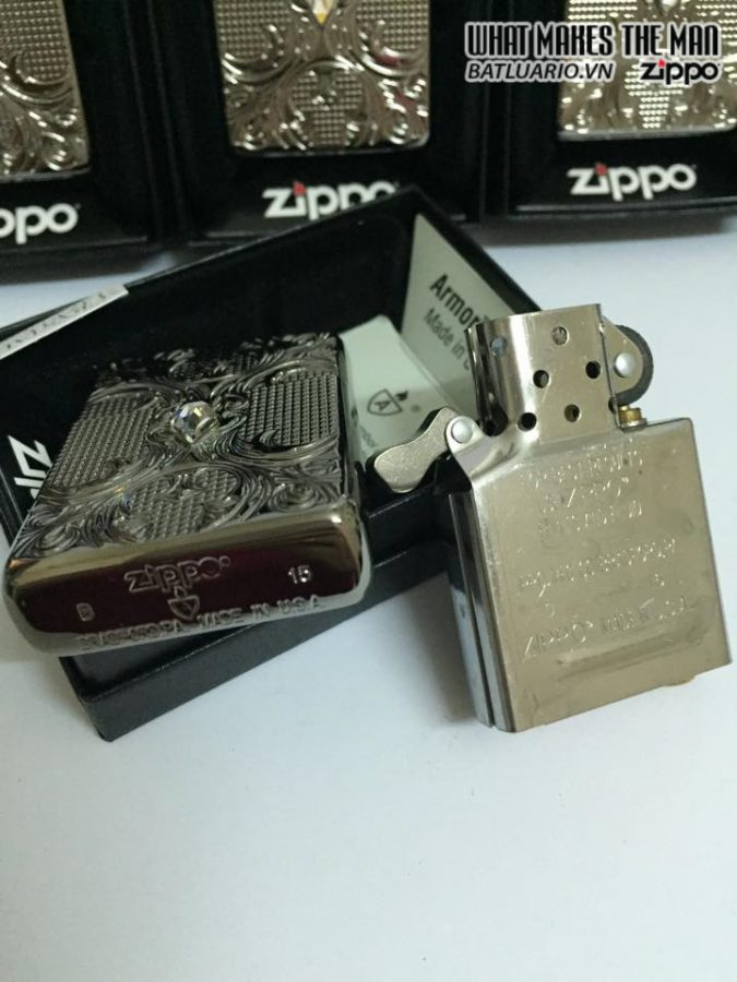 Zippo 28956 – Zippo Crystal Lattice Armor High Polish Black Ice