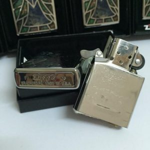 Zippo 28967 – Zippo Stained Glass Angel High Polish Chrome Fusion