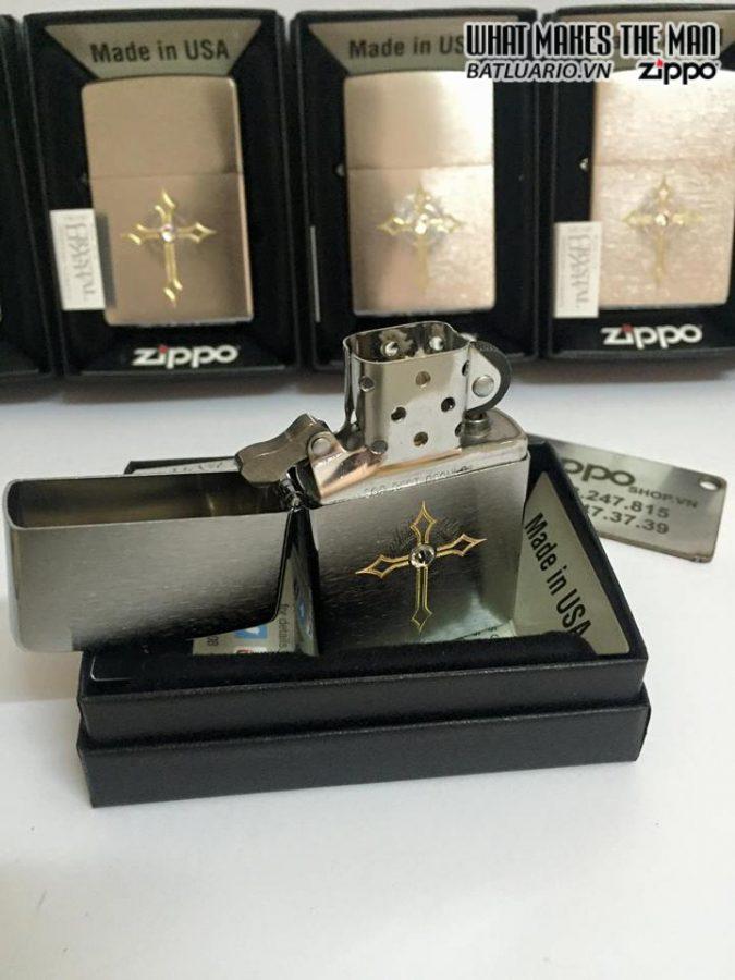 Zippo 28804 – Zippo Cross with Swarovski Crystal Brushed Chrome