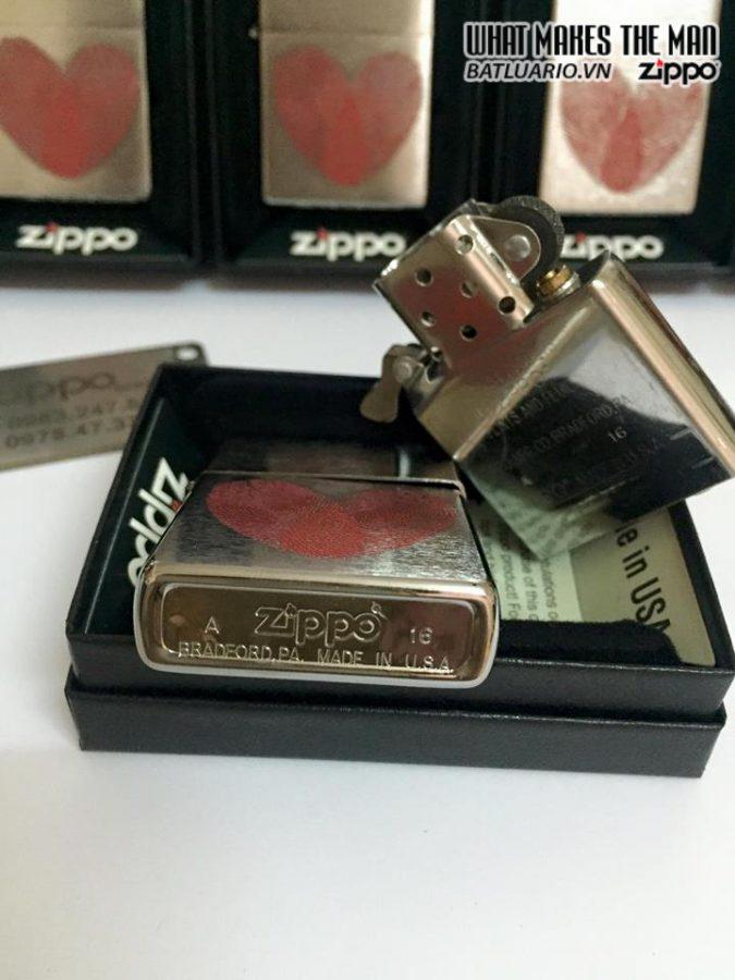 Zippo 29068 – Zippo Heart Thumbprints Brushed Chrome