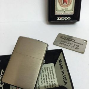 Zippo 28831 – Zippo Trading Cards Brushed Chrome 4