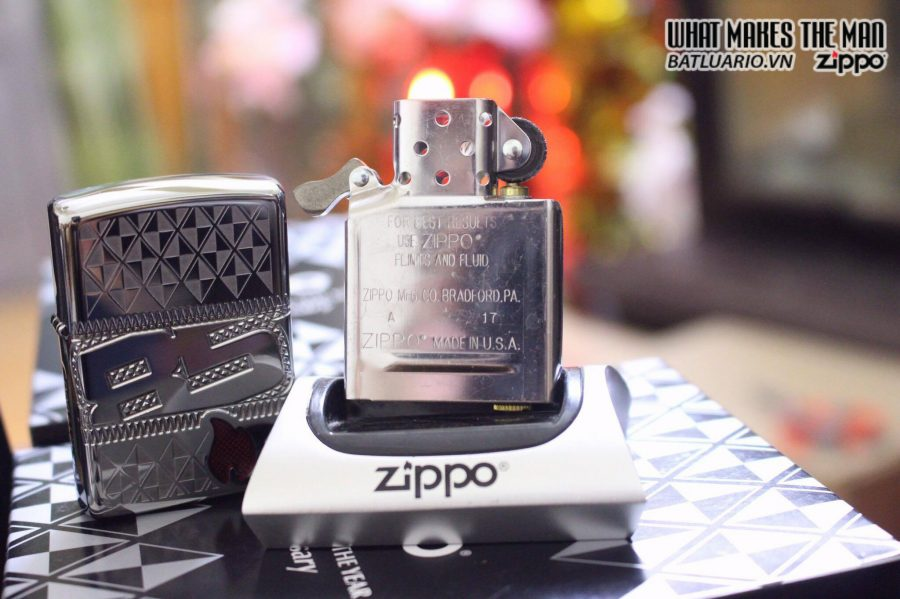 ZIPPO 29442 – ZIPPO 85TH ANNIVERSARY COLLECTIBLE OF THE YEAR 2017 – COTY 2017