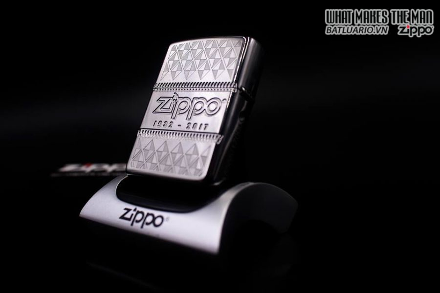 ZIPPO 29442 – ZIPPO 85TH ANNIVERSARY COLLECTIBLE OF THE YEAR 2017 – COTY 2017 6