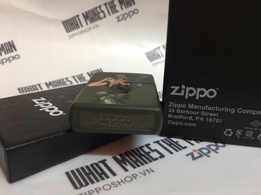 ZIPPO 221 SOLDIER GIRL PINUP 4