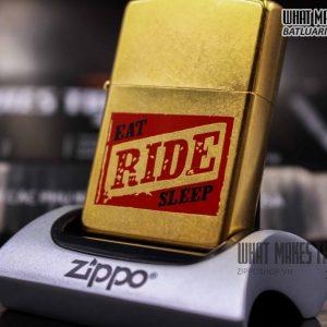 ZIPPO GOLD DUST 2004 – EAT RIDE SLEEP 1
