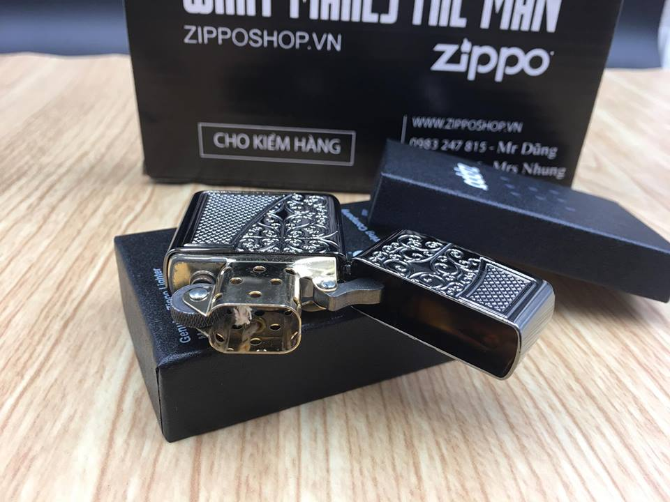 Zippo 29498 - Zippo Armor™ Old Royal Filigree Black Ice 10