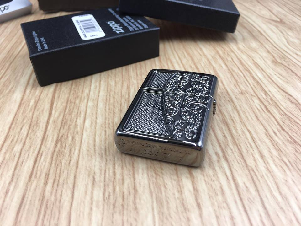 Zippo 29498 - Zippo Armor™ Old Royal Filigree Black Ice 14