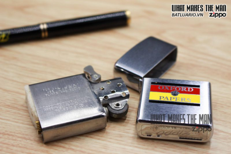 ZIPPO XƯA 1961 – OXFORD PAPERS 2