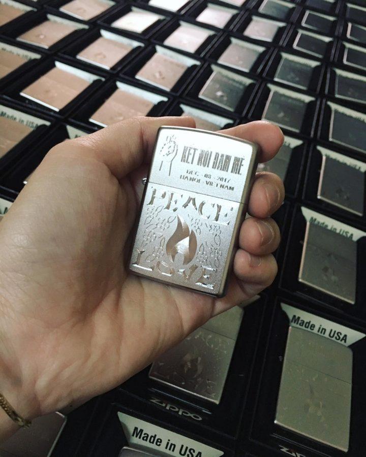 """Zippo được thiết kế làm quà tặng cho khách mời tham dự EVENT """"ZIPPO HOT TOUR HANOI - VIETNAM"""""""