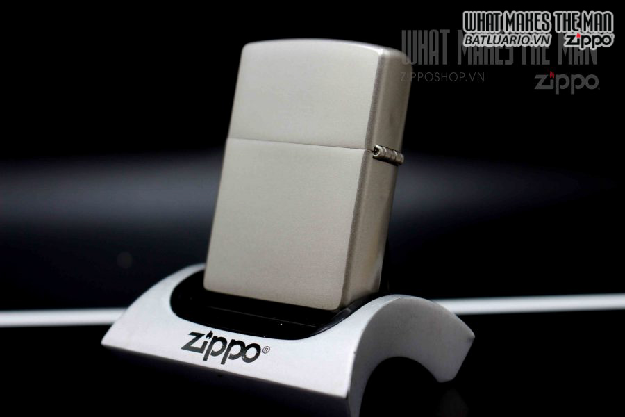 ZIPPO 2002 – SATIN CHROME LOGO ZIPPO 6