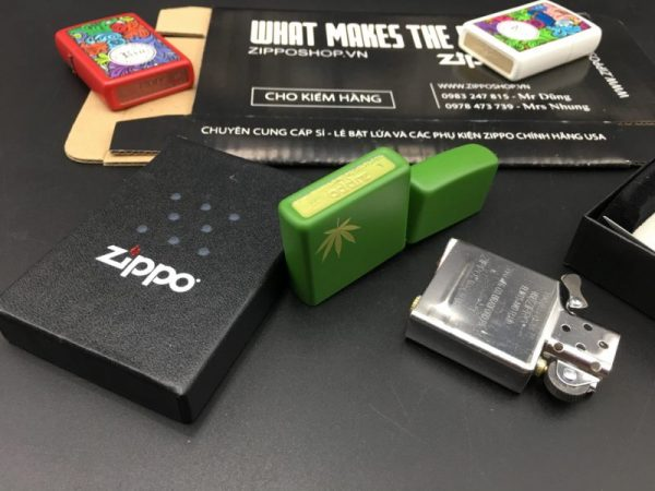 Zippo 29588 - Zippo Marijuana Leaf on the Side Green Matte 2