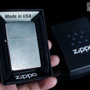 hộp quẹt zippo trơn xước 207